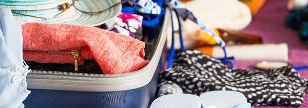 Comment préparer sa trousse de toilette avant de partir en vacances ?